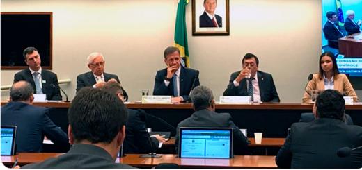 Juarez Quadros en audiencia pública ante comisión de Diputados. Imagen: Anatel.