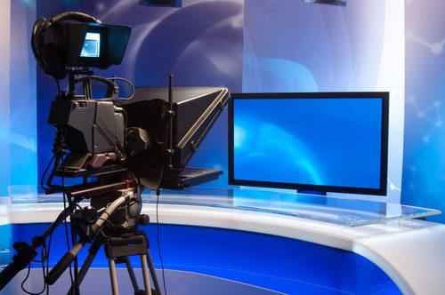 shutterstock_ IxMaster_radiodifusao_TV_paga_geral