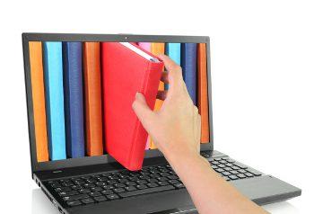 shutterstock_GTS_livros_notebook