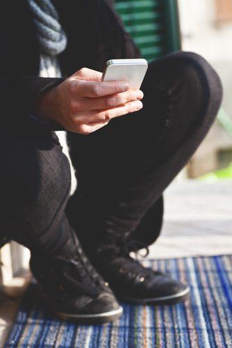 shutterstock_Giada Canu_device_celular_smartphone_telefonia_movel