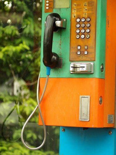 shutterstock_Muh_telefonia_fixa_operadora_concessionaria_telefone_publico_device
