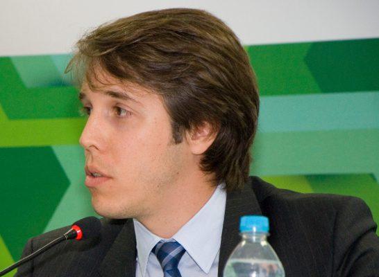Conselheiro Zerbone, relator proposta contrato de concessão (Foto: Felipe Canova)