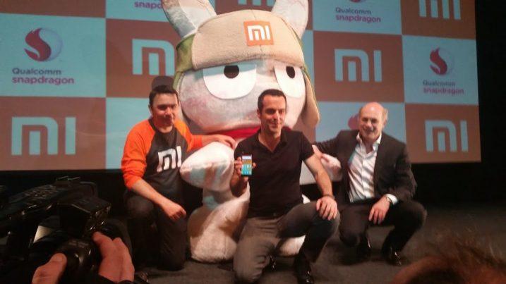 Leo Marroig, diretor da Xiaomi para a América Latina, Hugo Barra, vice-presidente internacional, e Rafael Steinhauser, da Qualcomm