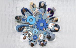 mesa-redonda-reuniao-ideia-trabalho-internet pessoas circulo