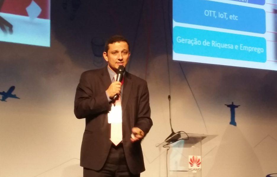José Gontijo, diretor do Departamento de Indústria, Ciência e Tecnologia da Secretaria de Telecomunicações do Minicom