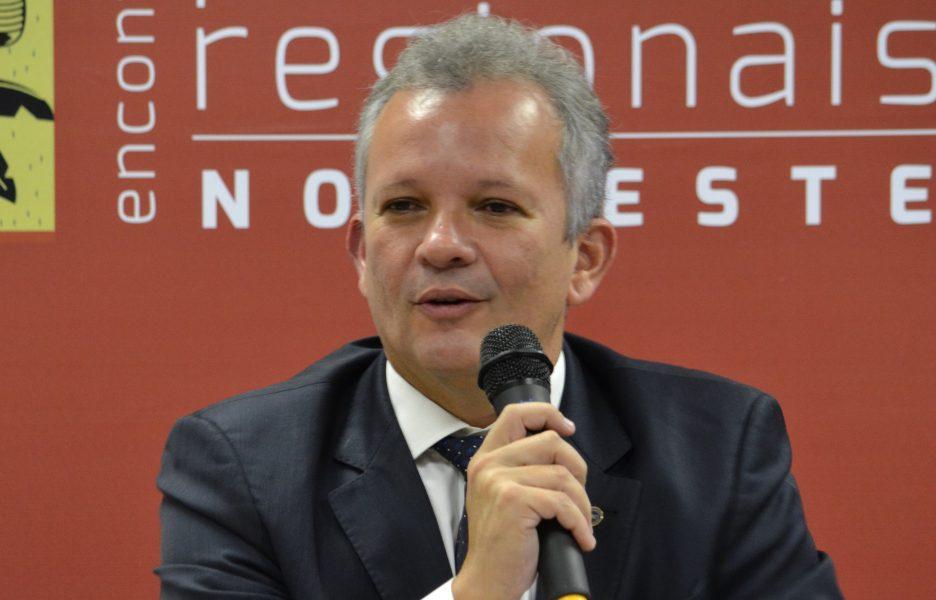 Brasil Inteligente vai levar internet ultra rápida a 128 mil escolas públicas