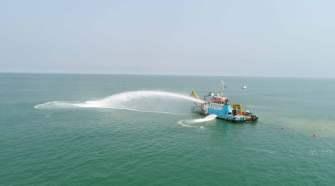Embarcação responsável por instalar o cabo SACS no leito do Oceano Atlântico