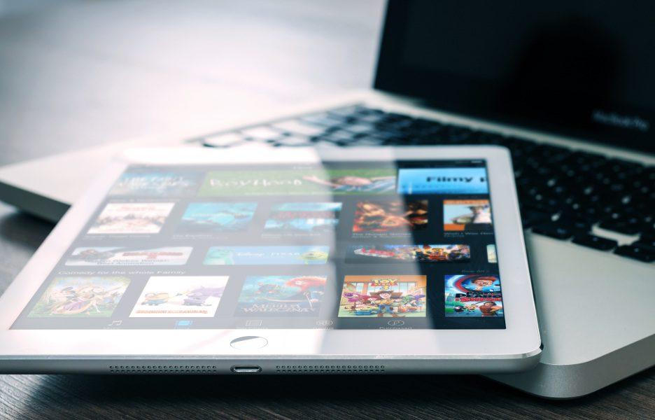 tablet-notebook-ipad-macbook