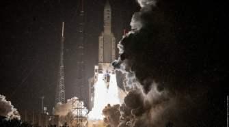 Foguete Ariane 5 levanta voo para colocar o satélite SES-17 em órbita (Divulgação)