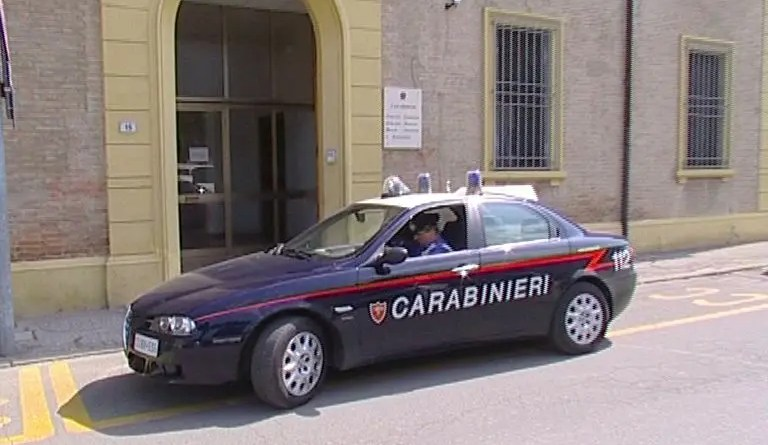 carabinieri porto
