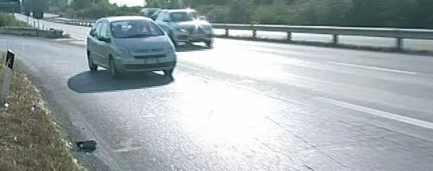 Incidente in superstrada, motociclista perde la vita