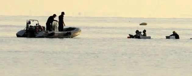 Razzia di vongole: pescatori contro turisti