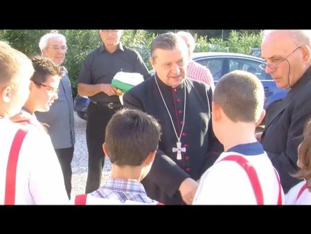 Gualdo: Vescovo inaugura facciata chiesa