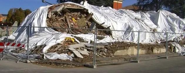 Sant'Agostino: macerie in via di rimozione