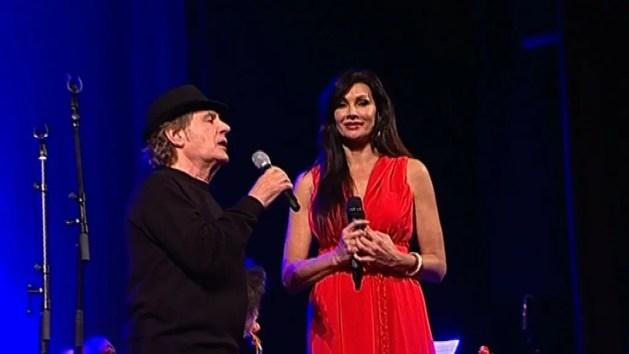 Fausto Leali e Luisa Corna emozionano il Teatro Nuovo – VIDEO
