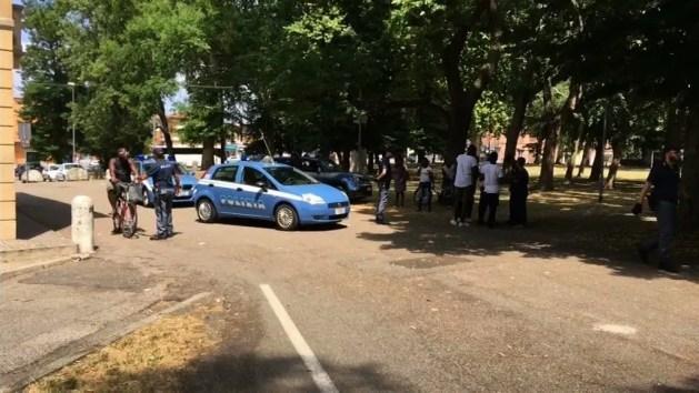 Rissa al Gad. Polizia arresta spacciatore con 13 dosi di cocaina