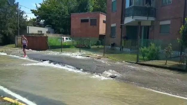 """Pontelagoscuro allagata, rotture multiple: """"Dispersi due mila metri cubi d'acqua"""" – VIDEO"""