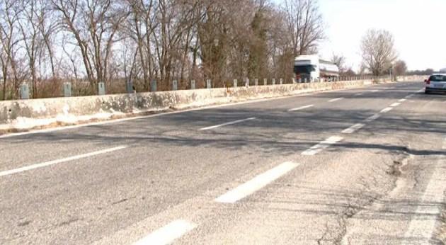 Auto sbanda dopo essere stata tamponata: morta una donna di 79 anni