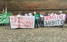 """Lega Nord e due comitati vanno dal Prefetto: """"I militari stiano al Gad"""" – VIDEO"""