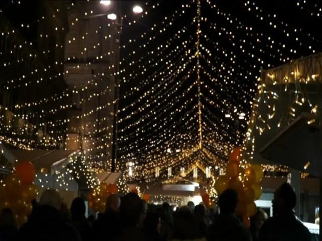 Natale in piazza: le iniziative della festa in centro – VIDEO