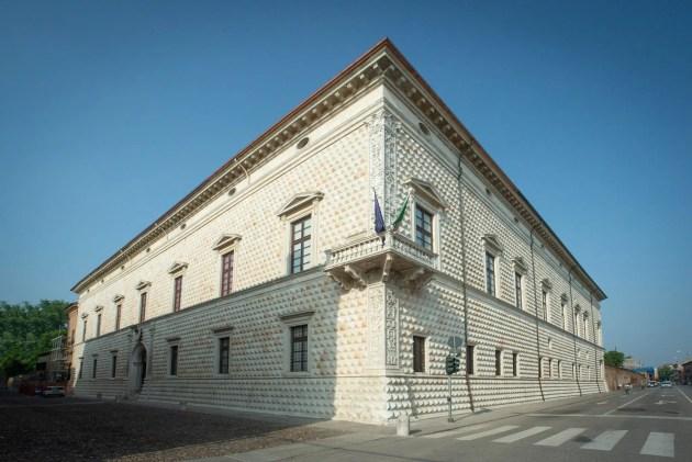 Palazzo Diamanti: ha perso la città