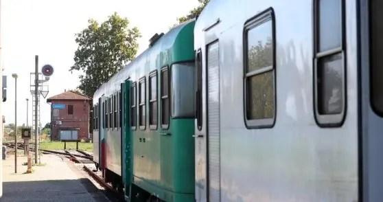 Treni, riapre linea Bologna-Portomaggiore spazzata via dall'alluvione
