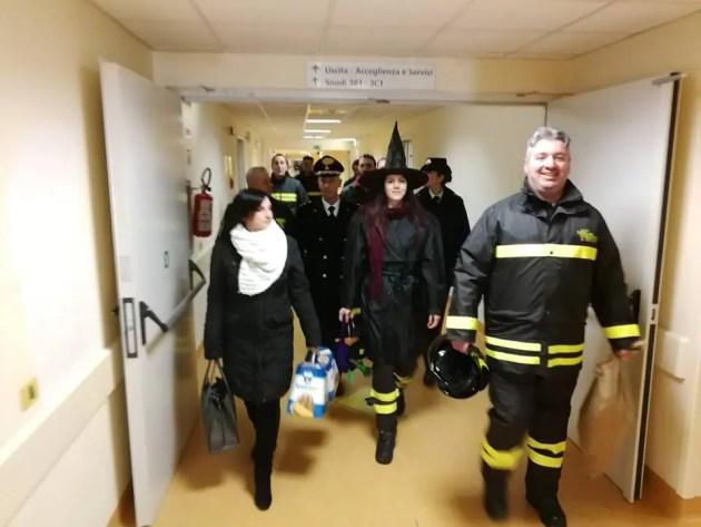 Befana in ospedale a Cona per portare i doni ai pazienti più piccoli