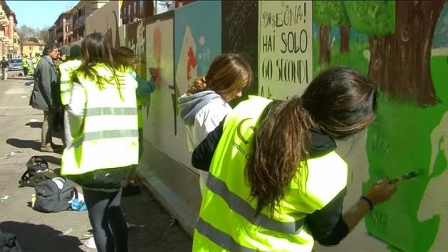 Una galleria d'arte di strada per abbellire cantiere Acer – VIDEO