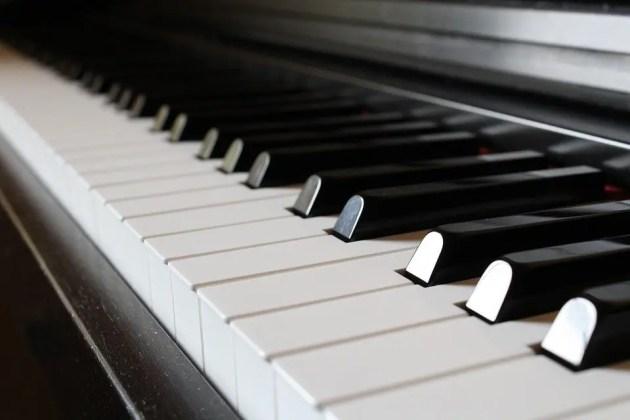 """La """"Suite Schizofrenica per Pianoforte"""" martedì sera alla """"De Pisis"""""""