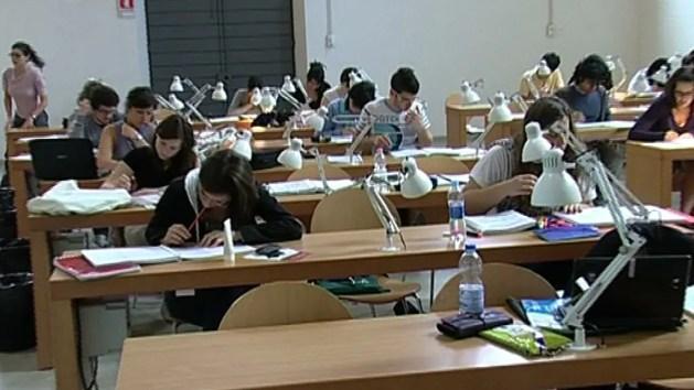 Boom di iscritti Unife: città piena di studenti e matricole – VIDEO