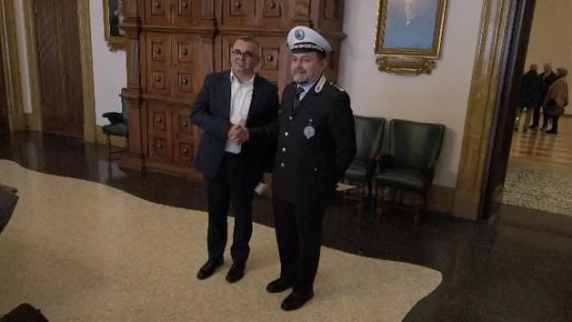 Neo comandante Polizia Municipale Ferrara apre a dotazione armi da fuoco – VIDEO