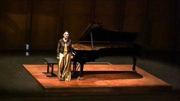Da Bach a Chopin, grande successo per la pianista Vacatello – VIDEO