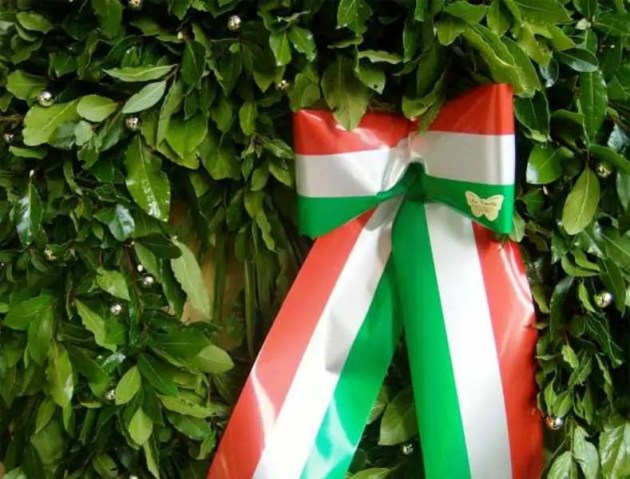 25 Aprile 2020, l'omaggio di Ferrara ai caduti per la Liberazione dell'Italia dalla dittatura