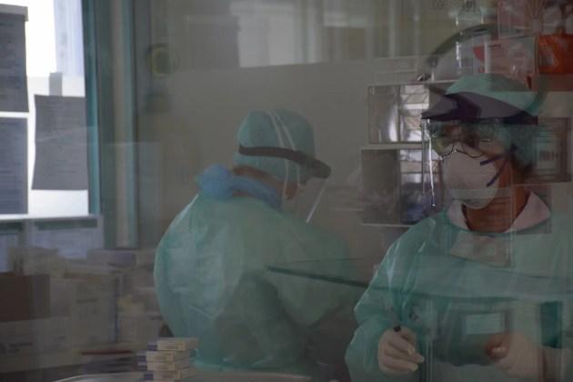 Covid, nuovi casi nel ferrarese: stessi numeri rispetto a sabato ma con meno tamponi