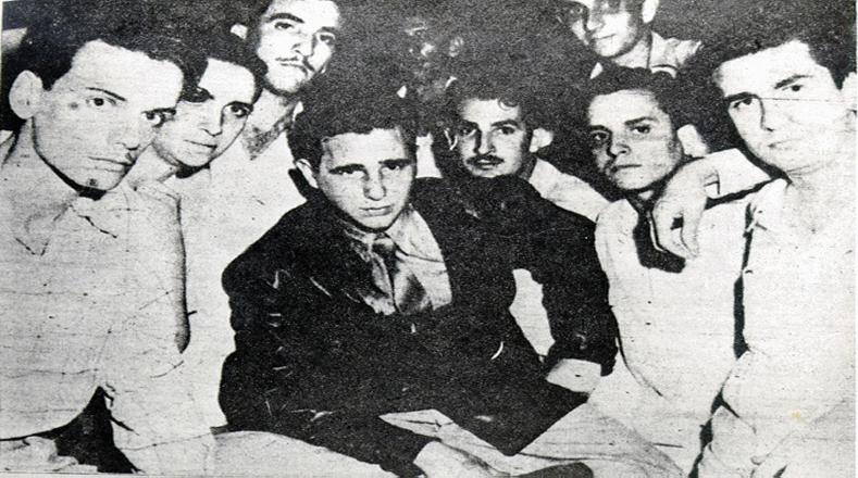 """A los 20 años Fidel ya es presidente del Comité Pro Democracia Dominicana de la Universidad de La Habana, y participa en la """"Expedición de Cayo Confites"""", un movimiento originado en Cuba para remover al dictador dominicano Rafael Leonidas Trujillo."""