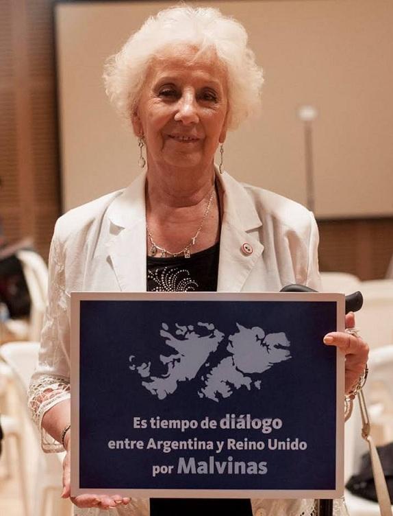 Estela de Carlotto, activista de derechos humanos y presidenta de la asociación Abuelas de Plaza de Mayo, llamó a respetar la soberanía de las Malvinas, que son argentinas.