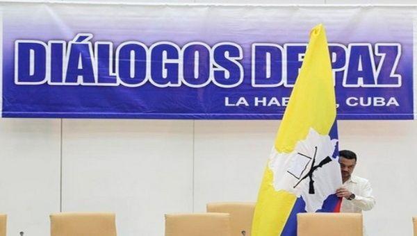 El vocero de las FARC-EP, Pablo Catatumbo, pidió la creación de una comisión nacional para el desmantelamiento del paramilitarismo.