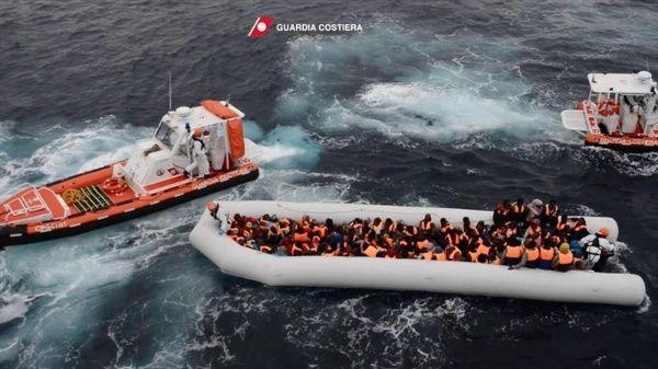 La Cruz Roja presta atención primaria a los migrantes en los campos griegos de Skaramagas y Ritsona. | Foto: EFE