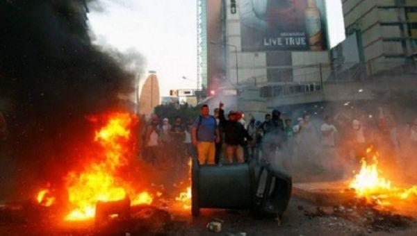 Violent right-wing protests in Caracas, Venezuela, Feb. 12, 2014.