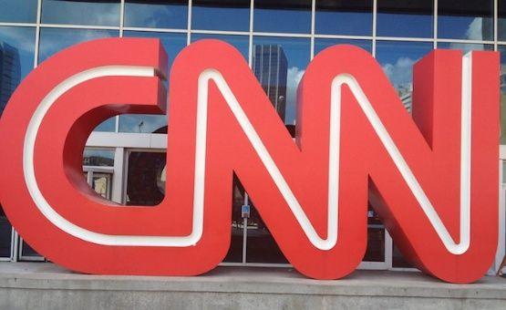 """El director de Conatel, Andrés Eloy Méndez, sostuvo que CNN en español se convirtió """"en un cañón de instigación de violencia en el país, al odio religioso y político""""."""