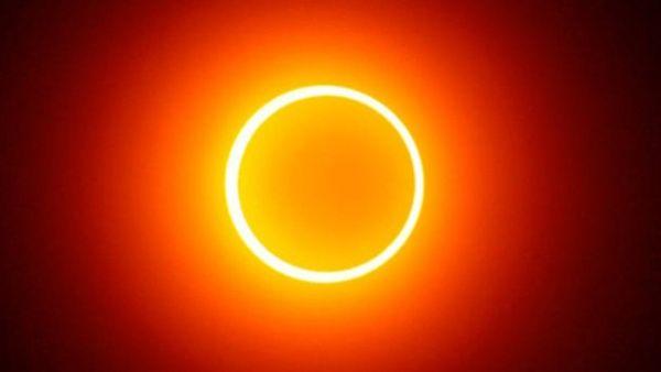 El eclipse solar anular se produce cuando la Tierra, la Luna y el Sol se alinean.
