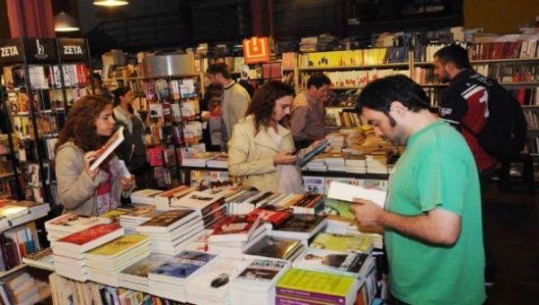 Para muchos argentinos la compra de libros no representa una prioridad en la actualidad, cuando el país sufre la inflación más alta de los últimos tiempos.