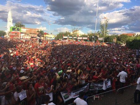 """""""Necesitamos el agua para que nuestro pueblo siga trabajando, el agua hará que se lave el alma rumbo a las elecciones de 2018"""", dijo Dilma."""