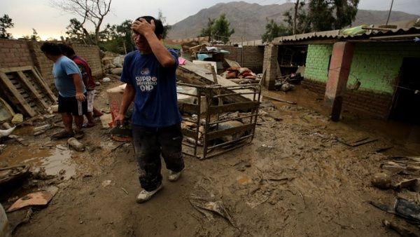 Unos 100.000 damnificados han dejado las fuertes lluvias en el Perú.