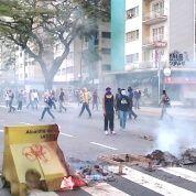 La oposición ha iniciado nuevamente una metodología de violencia abierta, destrozos, confrontación callejera y política,