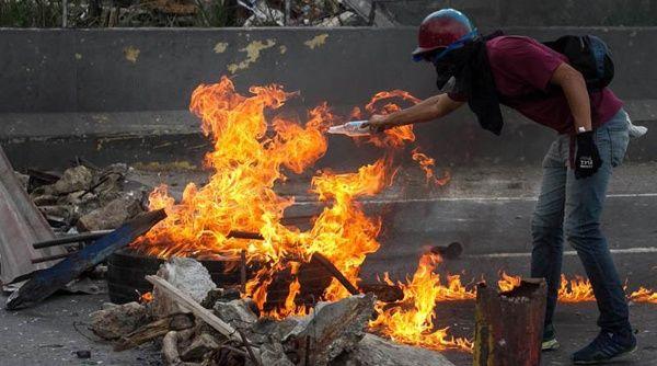 Resultado de imagen para VIOLENCIA EN VENEZUELA MAYO 2017