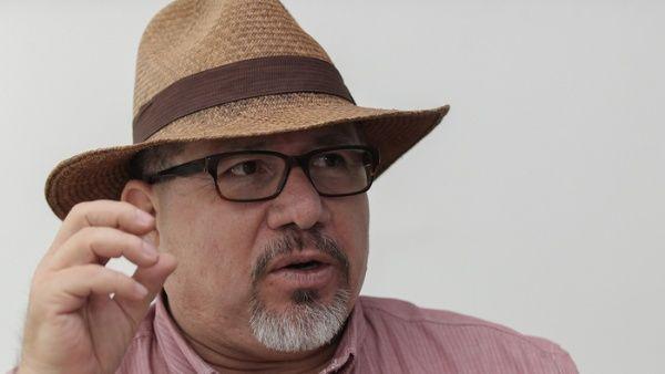 Valdez Cárdenas era colaborador para la Agencia Francesa de Noticias (AFP) en Sinaloa, corresponsal del diario mexicano La Jornada y redactor en la revista Riodoce.