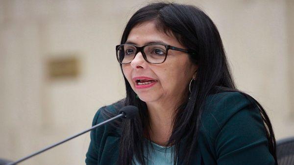 """""""La autoría y dirección de EE.UU. en la desestabilización de Venezuelay contra la paz han quedado en evidencia otra vez"""", dijo Rodríguez."""