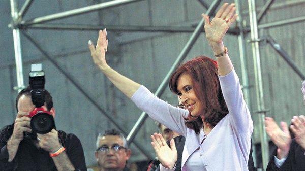 Cristina Fernández inicia camino a elecciones legislativas.