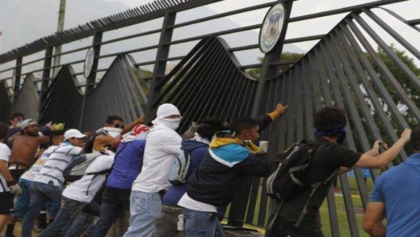 Resultado de imagen para La derecha acelera el tiempo del Golpe de Estado en Venezuela